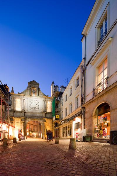 Saint-Vincent Gate, town of Vannes, departament de Morbihan, Brittany, France