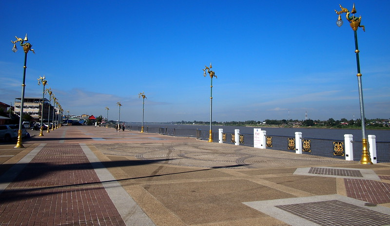PC058938-river-walk.JPG
