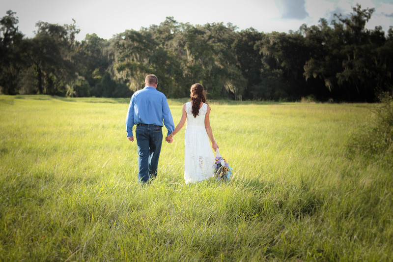 Downhome-Summer-Wedding-Wildflowers-Open-Fields-Photography-By-Laina-Tampa-Bay-Central-Florida-Dade-City-Wedding-Photographer-7.jpg
