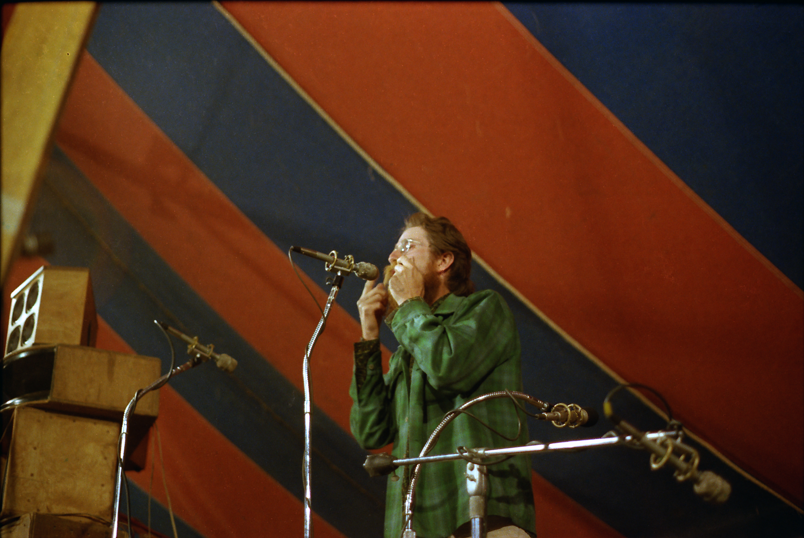 Larry Hanks and jaw harp on stage