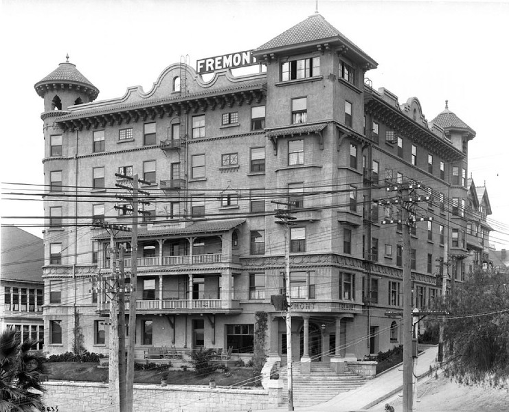 Exterior of the Fremont Hotel at Fourth Street and Olive Street, Los Angeles, [s.d.]