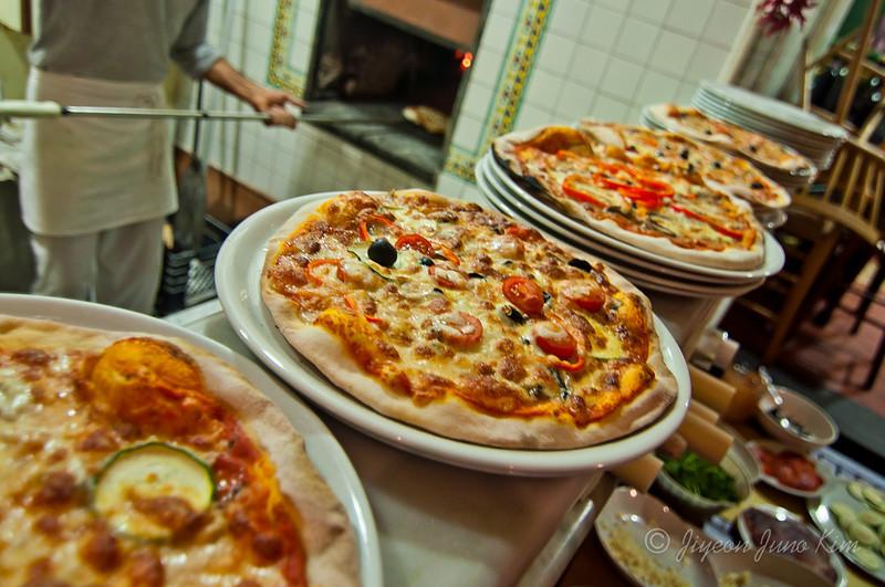 Pizza-rome-italy-9512.jpg