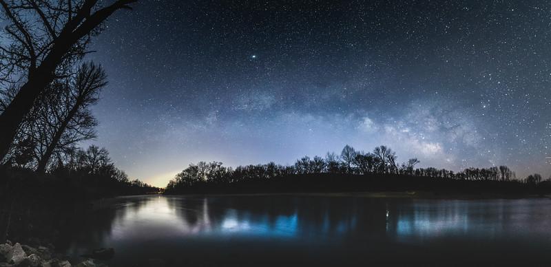 The Meramec frozen under the stars