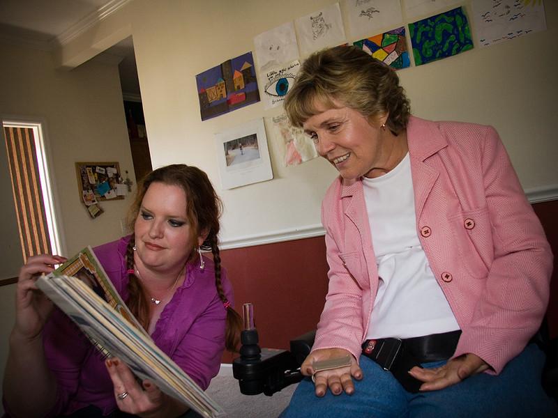 Linda saw Jennifer's baby books.