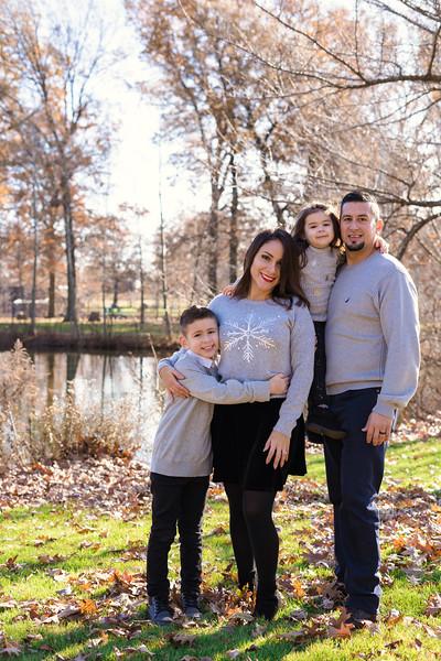 Brenda-Family-Christmas (34 of 46).jpg