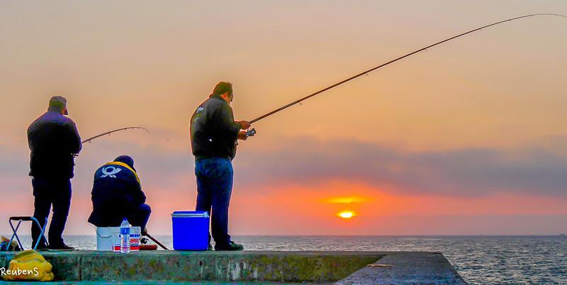 Fisherman catching sunset-2.jpg
