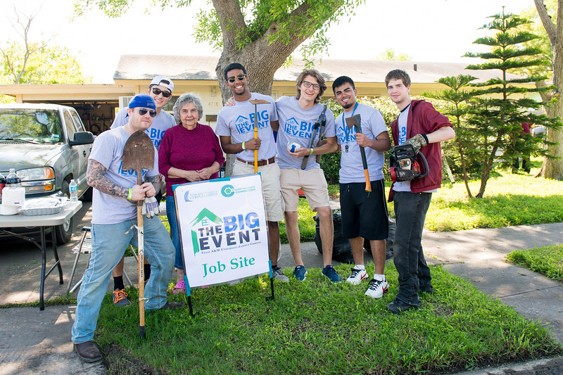 TAMU-CC students volunteered at the annual Big Event.