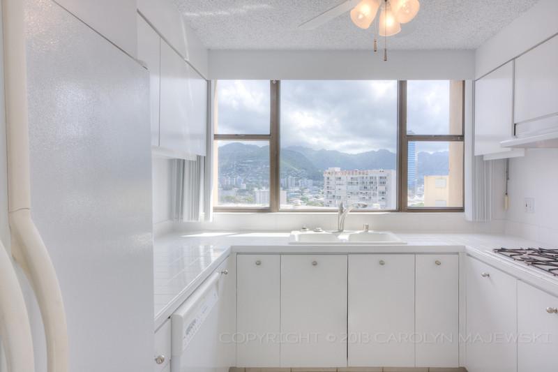 yacht-harbor-terrace-kitchen.jpg