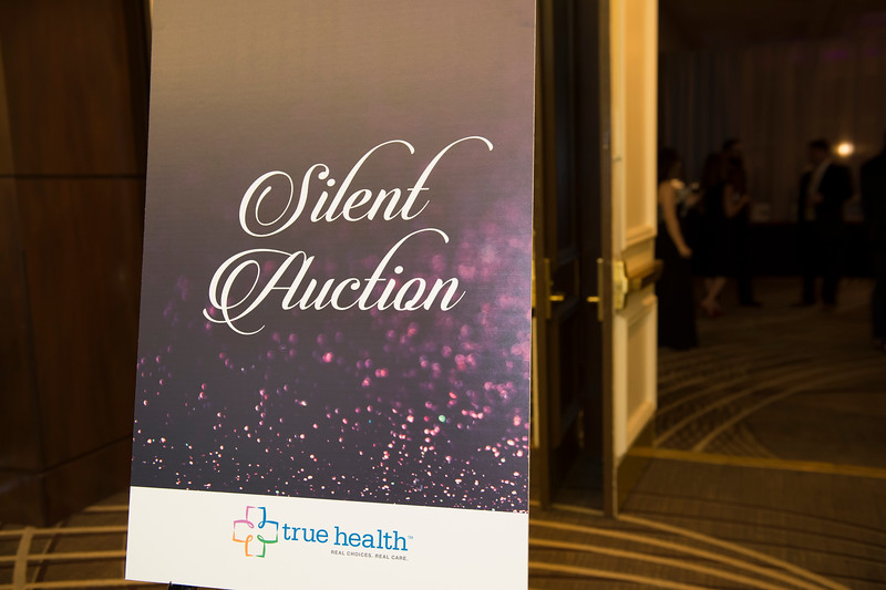 OVATION_SILENT_AUCTION - 016.jpg