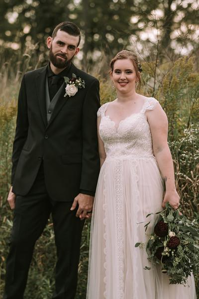 rustic_ohio__fall_barn_wedding-300.jpg