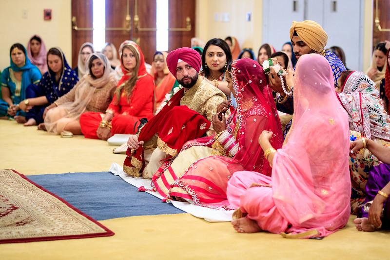 Neelam_and_Matt_Gurdwara_Wedding-1379.jpg