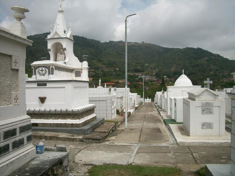 EscazuCentro_Cemetery13.jpg