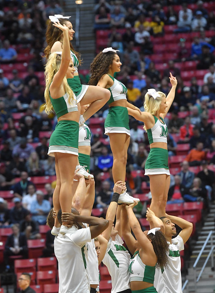 cheerleaders0745.jpg