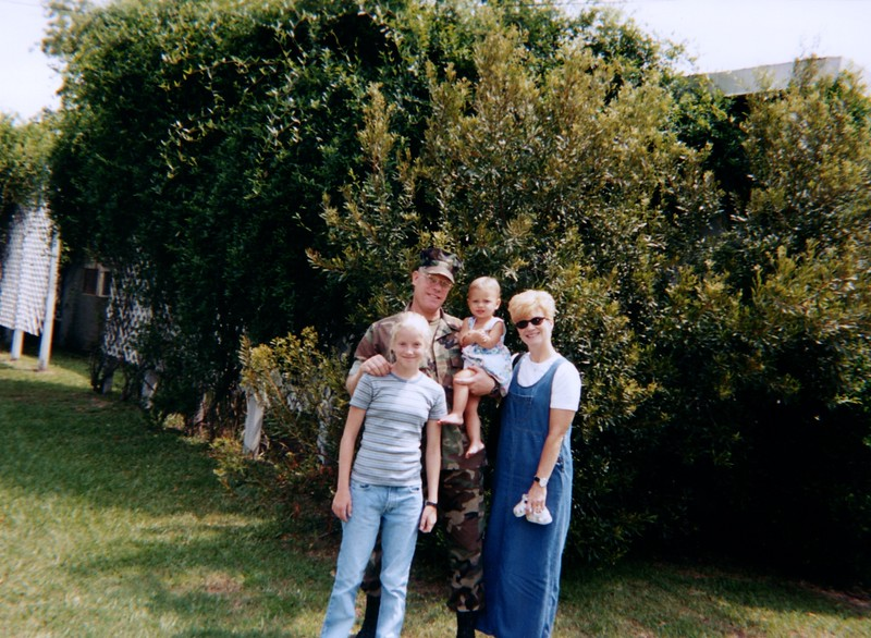 2000_July_Visit_with_Brad_&_Mary_0007_a.jpg