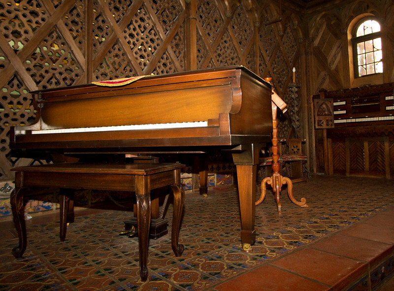 The amazing mechanical piano - Scotty's castle.