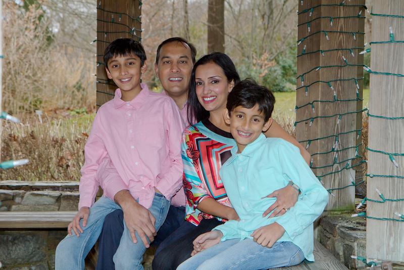2016 12 Pabla Family Photo Session (25)_1.JPG