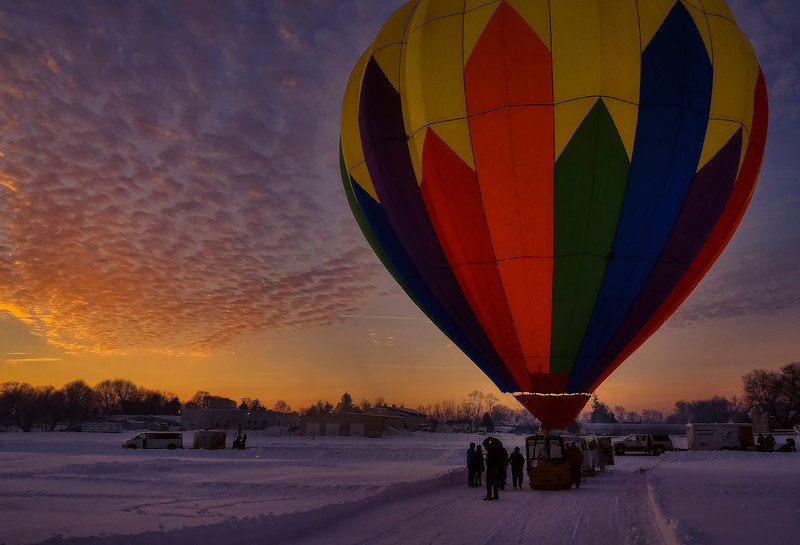 hot air balloon tour - preflight balloon setup(p).jpg