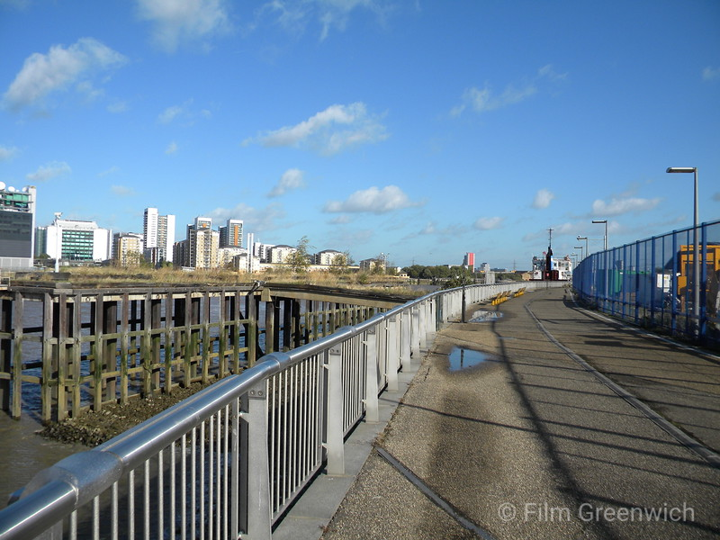Thames Path - Greenwich Peninsula (West)