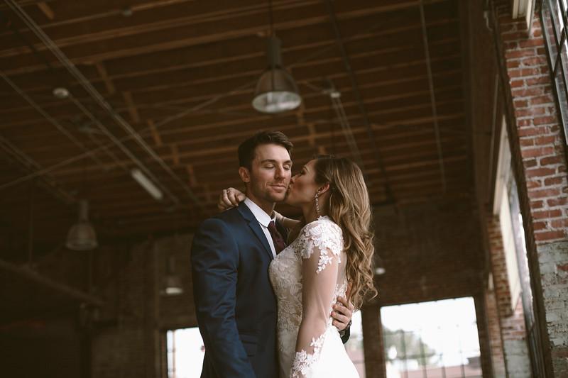 Kate&Josh_ZACH.WATHEN.PHOTOGRAPHER-719.jpg