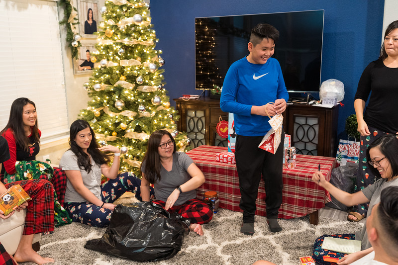20191225_christmas-ho-family_052.jpg