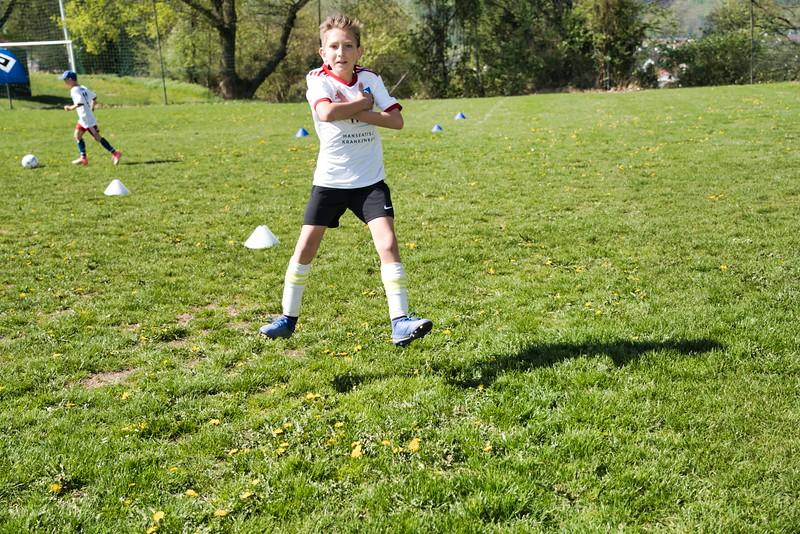 hsv-fussballschule---wochendendcamp-hannm-am-22-und-23042019-y-12_40764458523_o.jpg