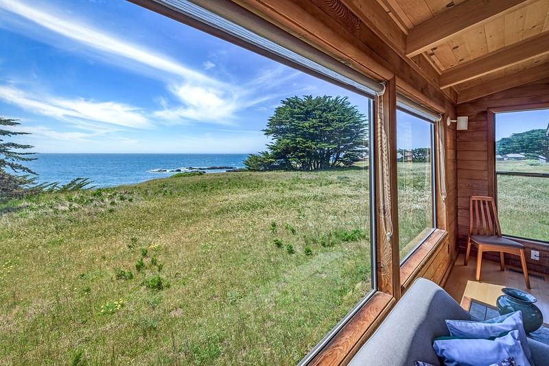 Living Room Ocean View copy.jpg