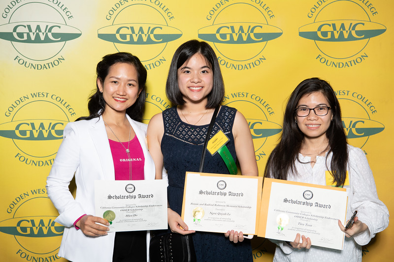 Scholarships-Awards-2019-0683.jpg