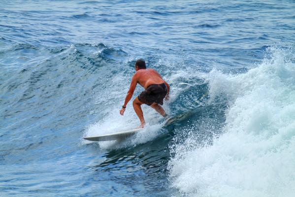 SURFING MAUI   HO'OKIPA