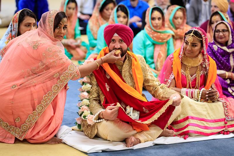 Neelam_and_Matt_Gurdwara_Wedding-1482.jpg