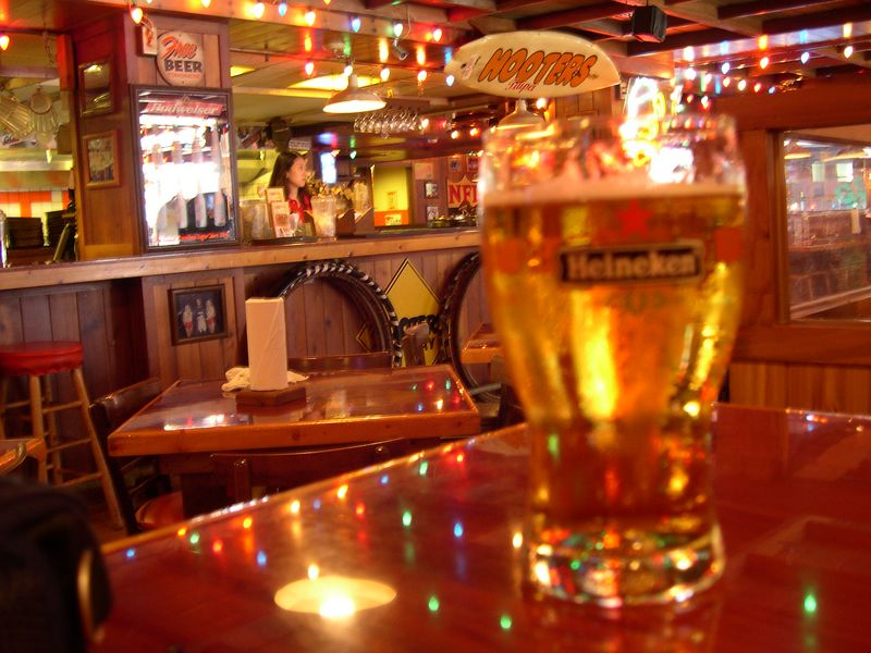 Viewing life through amber-colored glasses at Hooter's Taipei