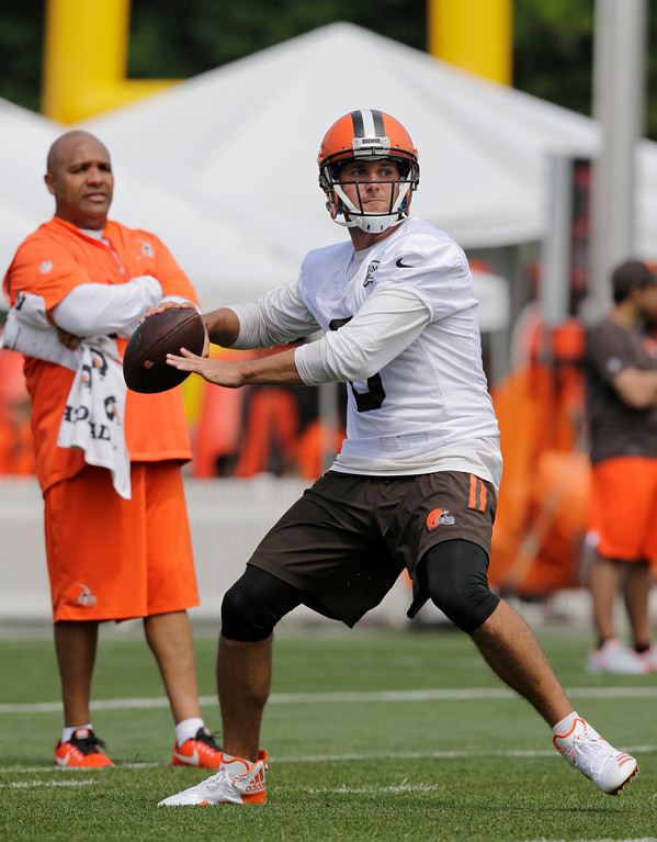 . Cleveland Browns quarterback Cody Kessler looks to throw during practice at the NFL football team\'s training camp facility, Thursday, July 27, 2017, in Berea, Ohio. (AP Photo/Tony Dejak)