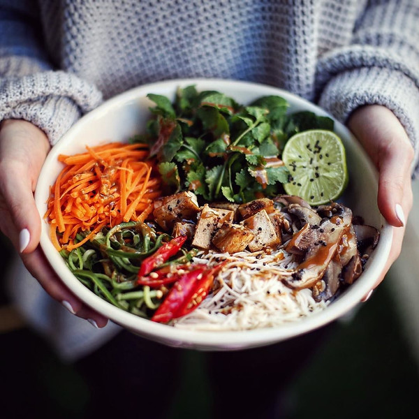 How_to_make_me_love_you_noodle_bowls._by_spoonfulofpixels.jpg
