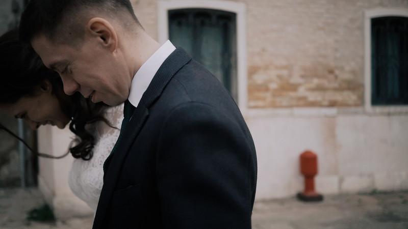 Tu-Nguyen-Destination-Wedding-Photographer-Elopement-Venice-Italy-Europe-w62a9.jpg