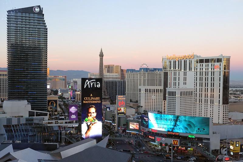 Vegas strip 02.jpg