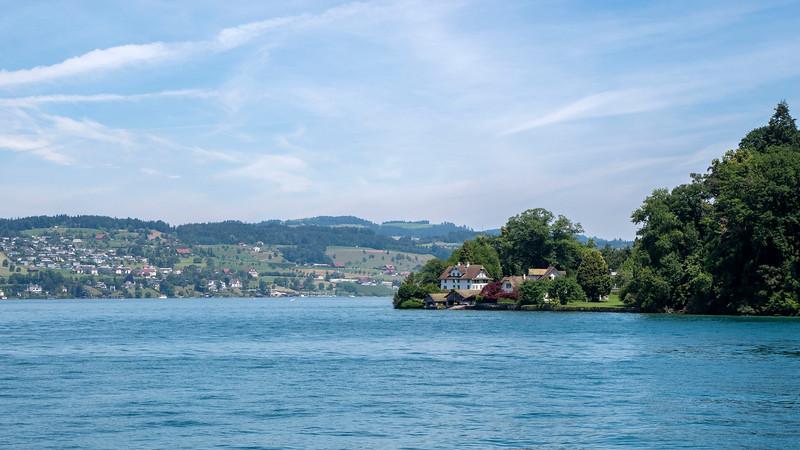 Switzerland-Boat-to-Lucerne16.jpg