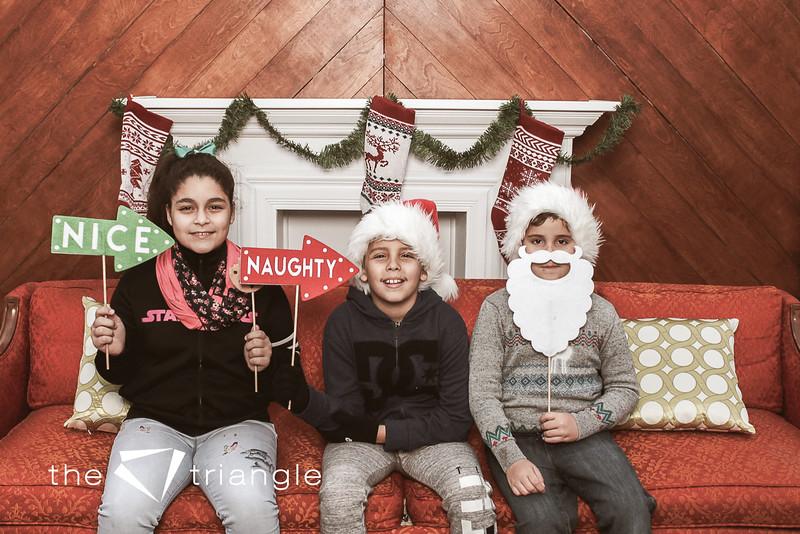 awkward-family-photo-booth-013.jpg