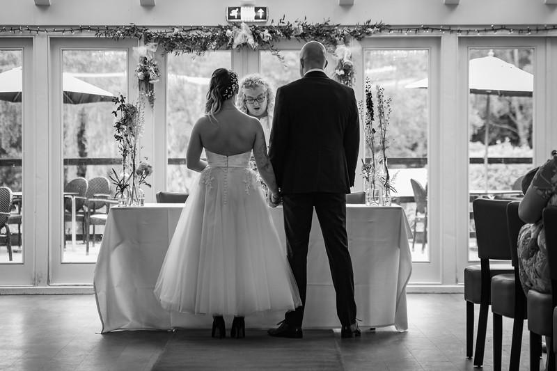 Sam_and_Louisa_wedding_great_hallingbury_manor_hotel_ben_savell_photography-0055.jpg