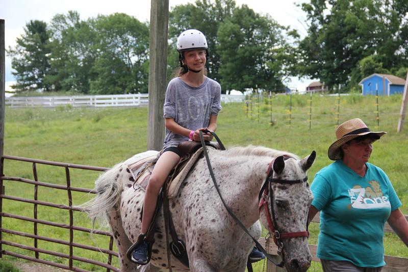 kars4kids_thezone_camp_girlsDivsion_activities_HorseBackRiding (17).JPG