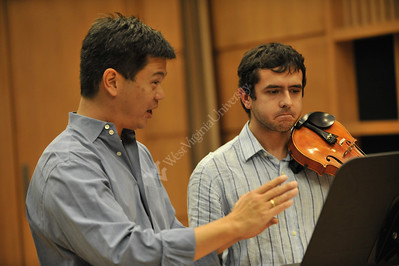 26469 Pittsburgh Symphony Violinist Christopher Wu; Masters Violin Class CAC 2009