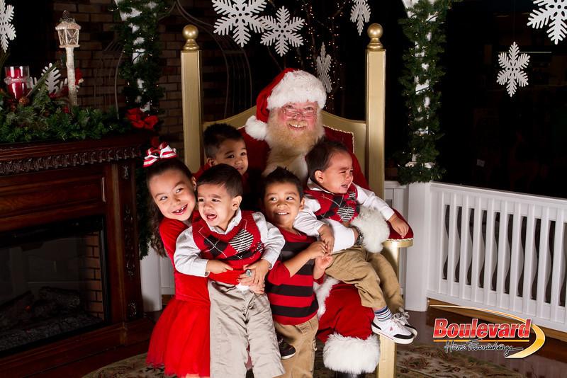 Santa Dec 15-235.jpg