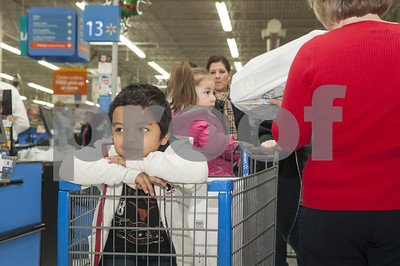 jacksonville-isd-and-mostyn-moreno-educational-foundation-treat-special-needs-students-to-shopping-spree