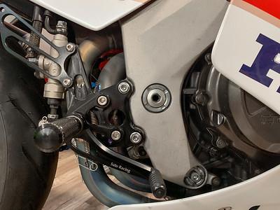 1990 Honda RC30 on Iconic Motorbike Auctions