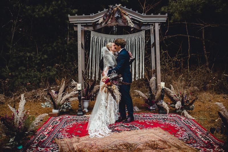 Requiem Images - Luxury Boho Winter Mountain Intimate Wedding - Seven Springs - Laurel Highlands - Blake Holly -1080.jpg