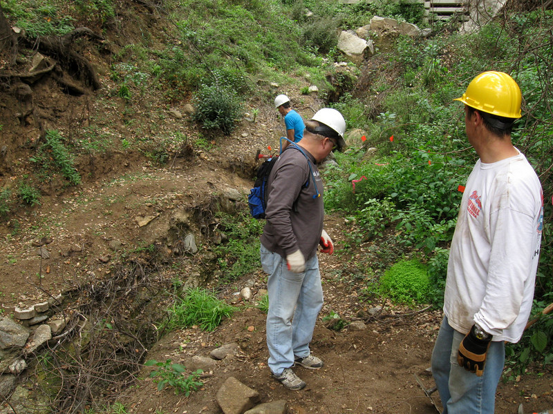 20101107004-El Prieto trailwork.JPG