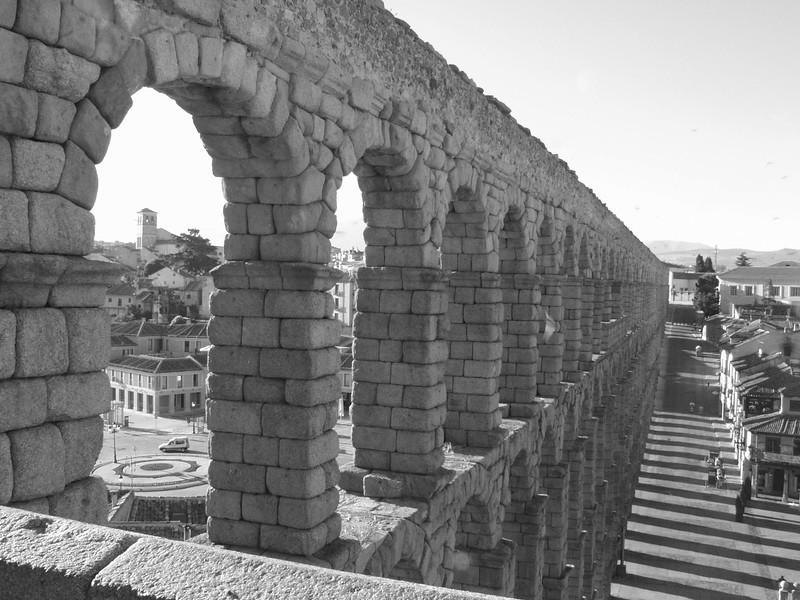Roman Aquaduct, Segovia.jpg