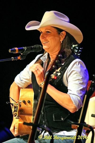 Terri Clark at  Dow 036a.jpg