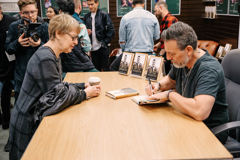 2019_2_28_TWOTW_BookSigning_SP_211.jpg