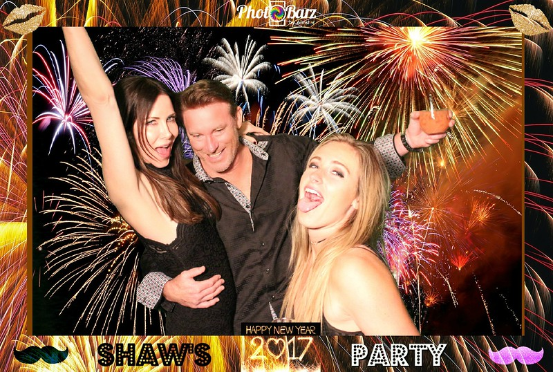 Shaws NYDay Party (35).jpg