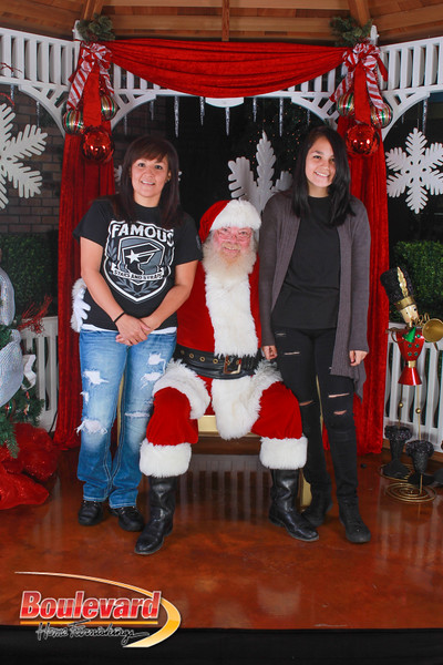 Santa 12-10-16-280.jpg