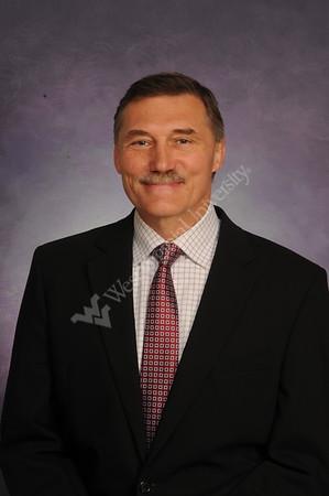 33402 Dr. Michael Hnat Dentistry Portrait Apr 2017